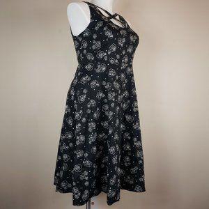 torrid Dresses - Torrid Rose Skull Lattice Front Swing Dress Black